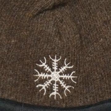 Braune Damen Strickmütze mit Stickerei