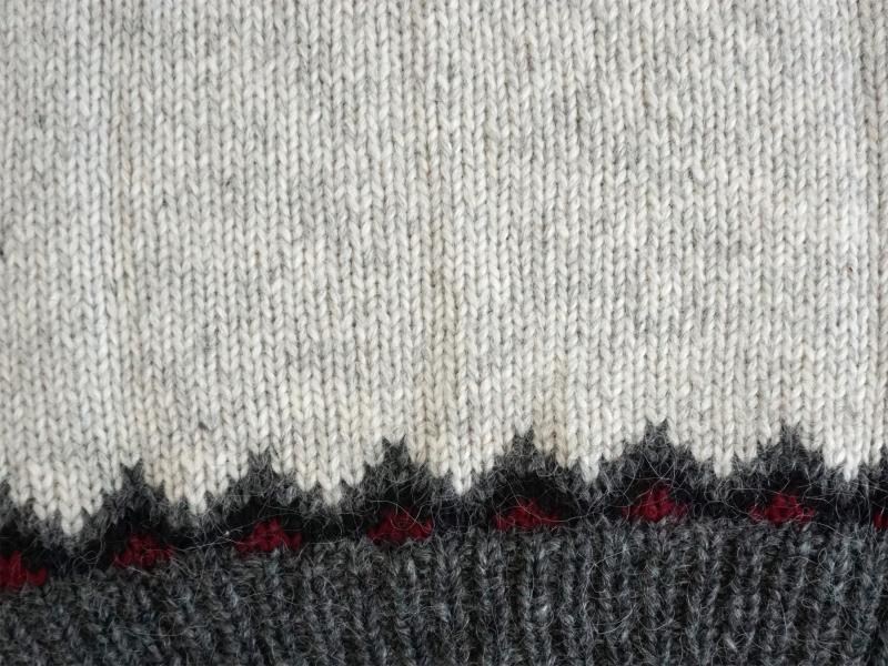 Traditional Icelandic Wool Sweater Hand-knit HSI-223 - light-grey