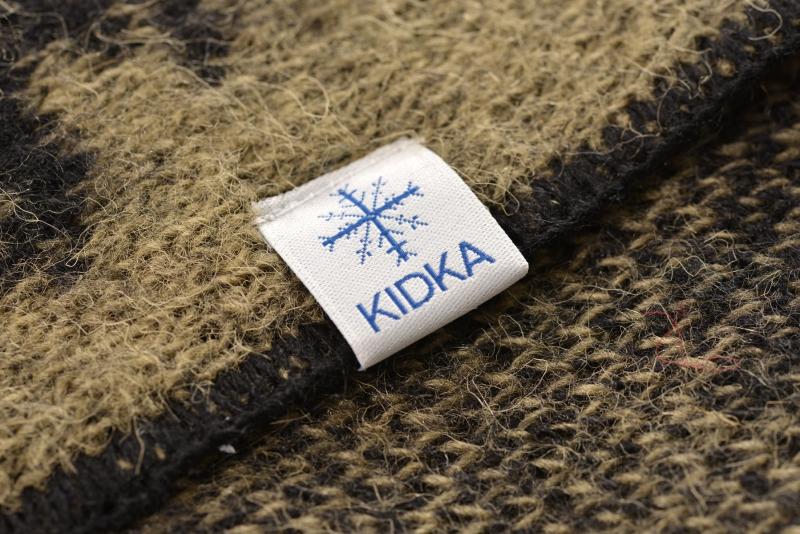 kidka 103 wolldecke mit island schriftzug moosgr n. Black Bedroom Furniture Sets. Home Design Ideas