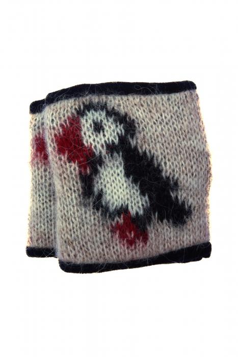 a962b49eaea KIDKA 072 woolen wrist warmers with puffin motif - beige