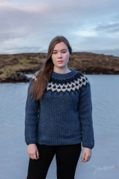 Light Handknitted Icelandic Sweater - blue