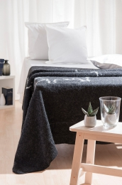 Isländische Wolldecke - schwarz mit Island Umriss